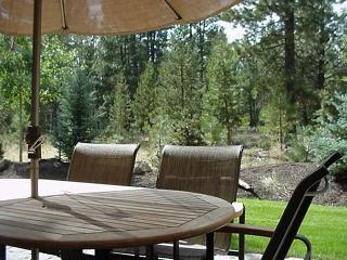 Memorial Day Sunriver Condo with Great Kitchen and Garage Near Observatory - Sunriver vacation rentals