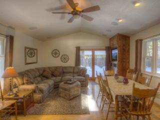 Classic cabin, accessible to summer and winter fun - CYH0840 - South Lake Tahoe vacation rentals