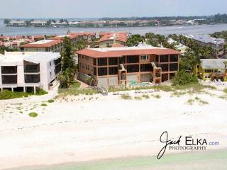 Bradenton Beach Club D - Bradenton Beach vacation rentals