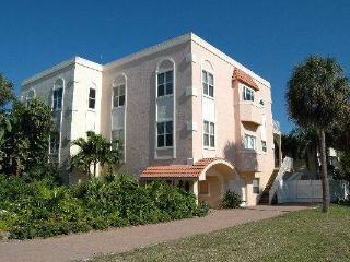 Villa de la Playa - Anna Maria Island vacation rentals