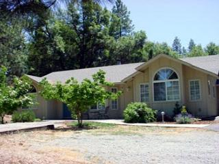Very clean, well taken care of. Has all the things that you need and more! - Twain Harte vacation rentals