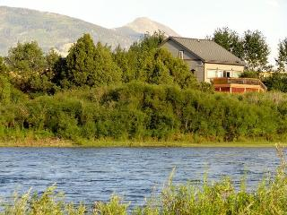 Yellowstone Lookout - Pray vacation rentals