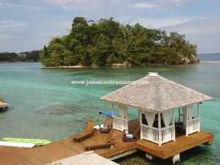 WATERFRONT! STAFF! LUXURY! San Bar, Blue Lagoon - Port Antonio vacation rentals