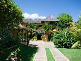 Keela Wee - Discovery Bay vacation rentals