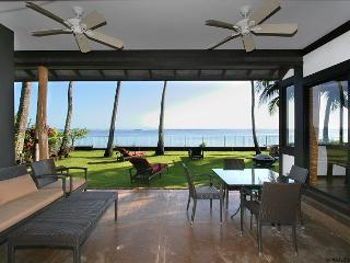 Contemporary, Chic, Beachfront home in Honolulu location | Last Minute $395! - Honolulu vacation rentals