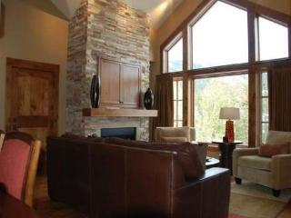 Lodge 404B Two-story Two-bedroom, Two Bath Lodge Condo, Sleeps 6. WIFI. - Tamarack Resort vacation rentals