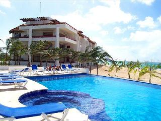 Beachfront on San Francisco Beach. Brilliant view! Near reefs, water sports. - Cozumel vacation rentals