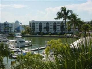Charming Bay Views - Renovated and ready-comfortable Condo will treat you to a Great Vacation - Marco Island - rentals