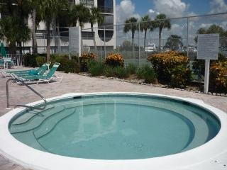 Comfortable garden view property with great Resort amenities - Marco Island vacation rentals