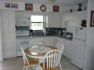 Clean-Updated unit with views of the pool and the Marco River - Marco Island vacation rentals