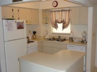 Popular BAY VIEW Condo in nice Resort - Room for the Family! - Marco Island vacation rentals