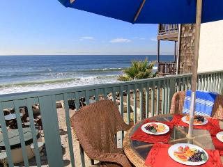 Beautiful, 2 unit duplex, 6 BR's total, On the Sand, Private Spas & Balconies - Dixon vacation rentals