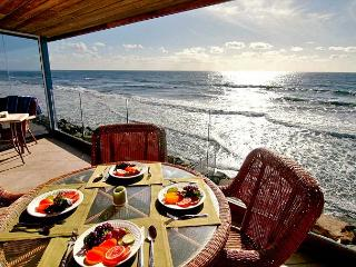 Private Beachfront home with 7br, 5ba, sleeps 20! Spa, private beach backyard - Oceanside vacation rentals