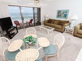 ETW 3004:1bedroom,beachfront,free beach service,WIFI, NOW WITH KEYLESS ENTRY! - Fort Walton Beach vacation rentals