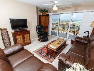 GD 104: Exquisite 2nd story unit- WIFI, BBQ, FREE BCH SVC, TENNIS - Fort Walton Beach vacation rentals