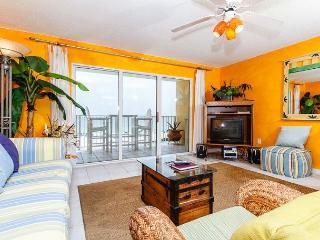 GD 307:Peaceful beachview retreat-balcony,WiFi,BBQ,tennis,pool,FREE BCH SVC - Fort Walton Beach vacation rentals