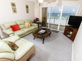 GD 408:UPDATED beachfront condo!WiFi,LCD TVs,pool,BBQ,tennis, FREE BCH SVC - Fort Walton Beach vacation rentals