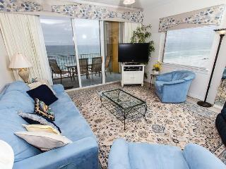 GD 617: Phenomenal end unit! LCD TV with Blu Ray, parking,WIFI, FREE BCH SERV - Fort Walton Beach vacation rentals
