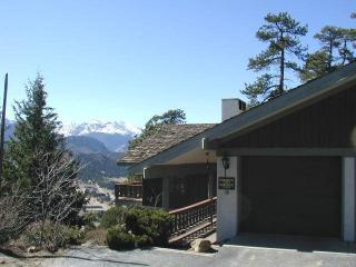 Breiding Upper at Windcliff: RMNP Panoramic Views, Hot Tub, Sun Room, Wildlife - Estes Park vacation rentals