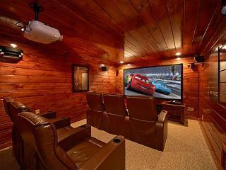 4 Bedroom Gatlinburg Theater Room Cabin with Amazing Views of Mt LeConte - Gatlinburg vacation rentals