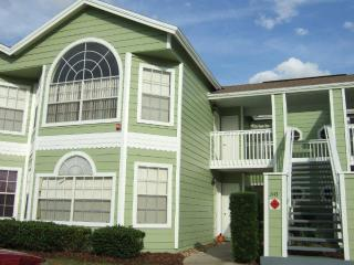 Nicely furnished & Inviting 3 bedroom condo - close to the pool! BB3143-C - Davenport vacation rentals