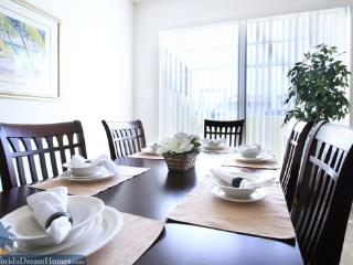 Fabulous Pet-Friendly 4 Bedroom & 4 Bathroom House in Kissimmee - Kissimmee vacation rentals