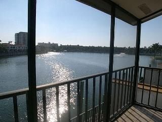 Isla Del Sol BLKV-205- Fantastic Lakeside Villa with Screened Balcony! - Florida North Central Gulf Coast vacation rentals