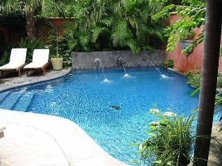 Luxury villa- across from beach, private pool, gas grill, cable, a/c - Santa Cruz vacation rentals