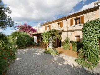 Holiday Villa to Rent in Mallorca - Casa La Hiedra - Pollenca vacation rentals