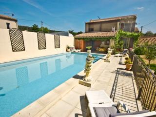 Villa Rental in Languedoc-Roussillon, near Nimes - La Maison du Gard - Caveirac vacation rentals