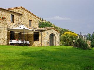 Tuscany Villa - Poggio dell'Arte - Seggiano vacation rentals