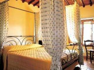 Restored Farmhouse Surrounded by Vineyards and Olive Groves, Centrally Located in Tuscany - Vecchio Borgo - Mensola - Image 1 - Poggiarello - rentals
