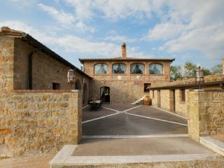 Farmhouse Rental in Tuscany, Monticchiello - Villa Altare - Pienza vacation rentals