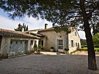 Villa Francine, Beautiful 4 Bedroom Provence Home with Sauna and Pool - Les Baux de Provence vacation rentals