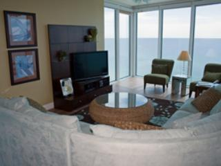 Picturesque Condo with 3 Bedrooms and Beautiful Gulf View - Image 1 - Panama City Beach - rentals
