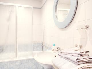 Rome Apartment Rental Near Piazza Campo dei Fiori - Campo dei Fiori - Antonius - Sacrofano vacation rentals