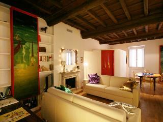 Rome Apartment Rental in Trastevere Area - Aurelian - Castel Gandolfo vacation rentals