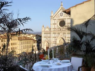 Rent Apartment Florence - Piazza Santa Croce - Canova - Vinci vacation rentals