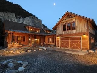 Crooked Canyon Lodge - Montana vacation rentals