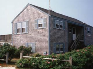 Ideal House with 4 Bedroom/3 Bathroom in Nantucket (3521) - Image 1 - Nantucket - rentals