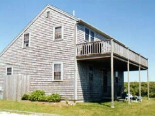 Picturesque House with 3 BR & 2 BA in Nantucket (3589) - Image 1 - Nantucket - rentals