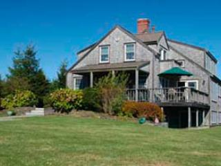 Picturesque House with 4 BR-4 BA in Nantucket (3695) - Image 1 - Nantucket - rentals