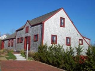Perfect House with 5 BR & 7 BA in Nantucket (3860) - Image 1 - Nantucket - rentals