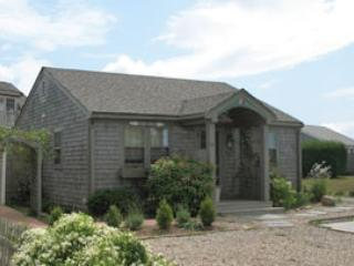 Amazing House with 2 BR & 2 BA in Nantucket (8350) - Image 1 - Nantucket - rentals