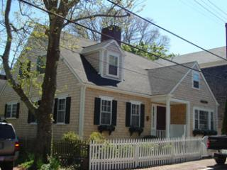 Perfect 4 Bedroom, 3 Bathroom House in Nantucket (8648) - Nantucket vacation rentals