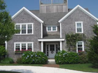 Great House with 5 Bedroom, 5 Bathroom in Nantucket (9165) - Image 1 - Nantucket - rentals