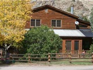Custom 4 BR Vacation Home Near Taylor River at Three Rivers Resort in Almont (149 House) - Image 1 - Almont - rentals