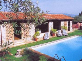 Lovely farmhouse 5kms from the center of Lucca. SAL GEL - Lucca vacation rentals