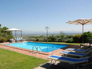 Originally a hayloft, this villa was recently converted into a cottage. SAL MNC - Santa Lucia Pontedera vacation rentals