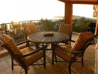 Beachfront 5th floor Ocean View Luxury Condo, 32' LCD,King,Queen,Downtown! - Jaco vacation rentals